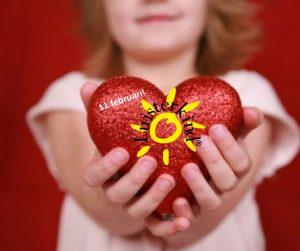 Luisterkindwerkers delen honderden cadeautjes uit